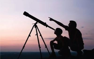 Telescopes, microscopes and binoculars for kids